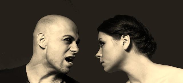 hádající se pár