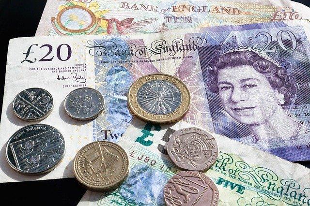 Britská mena.jpg