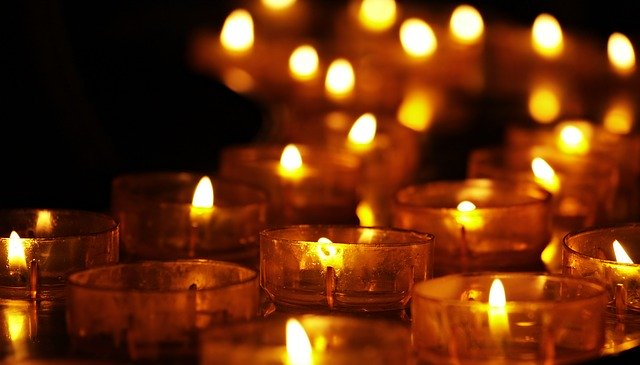 veľa sviečok.jpg