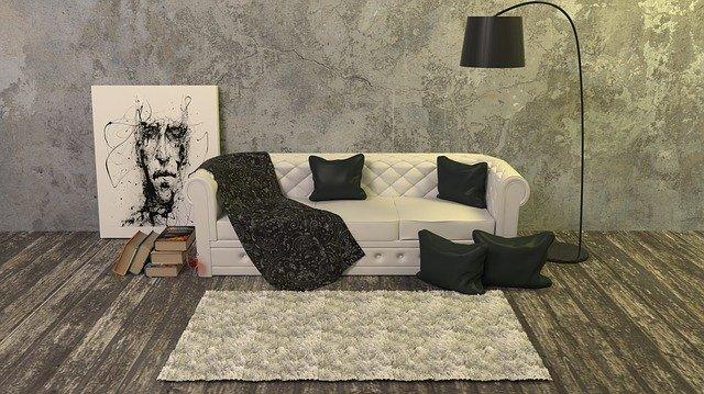 bílý gauč